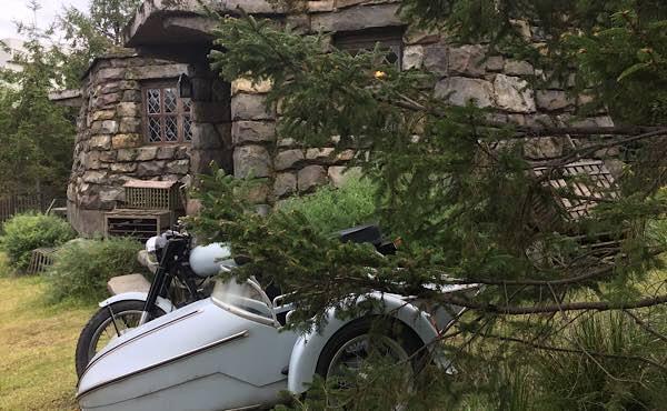 シリウスのバイクとハグリッドの小屋